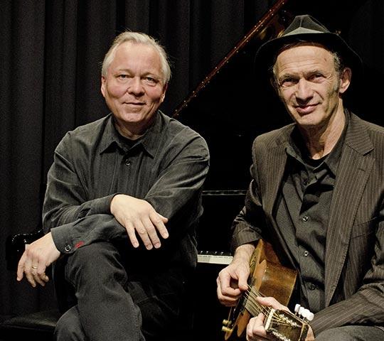 Abi Wallenstein und Günther Brackmann spielen live beim Konzert im Marstall Neubrandenburg
