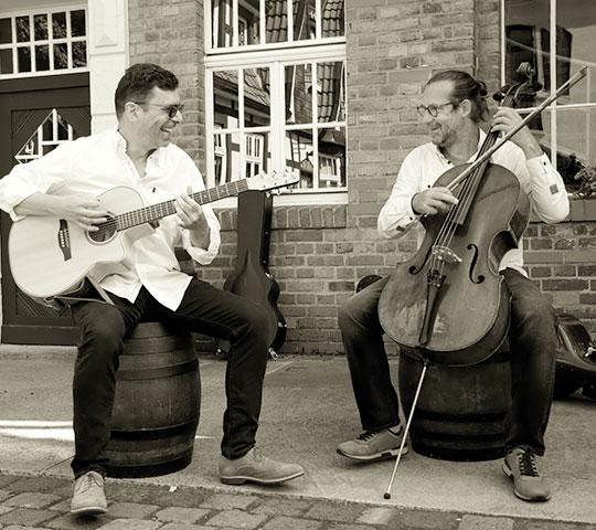 Duo no-klassik tritt im Marstall Neubrandenburg auf.